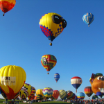 hot-air-balloon-2056894_640