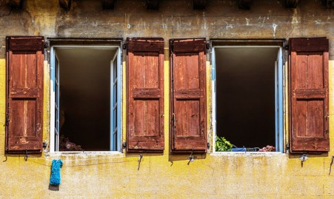 window-3021538_640
