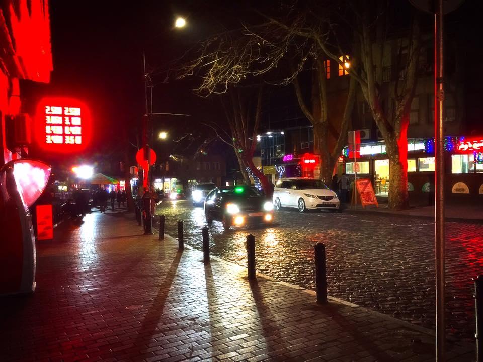 トビリシのまちなみ。旧市街と新市街をつなぐKoto Afkhazi St