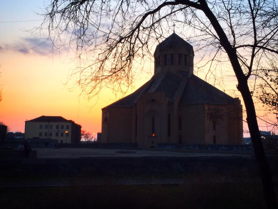 Saint Gregory The Illuminator Cathedralの夕暮れ